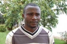 René Ndoumtouo, Agent de bureau