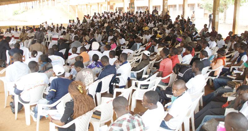 L'auditoire nombreux et attentif pendant le Forum
