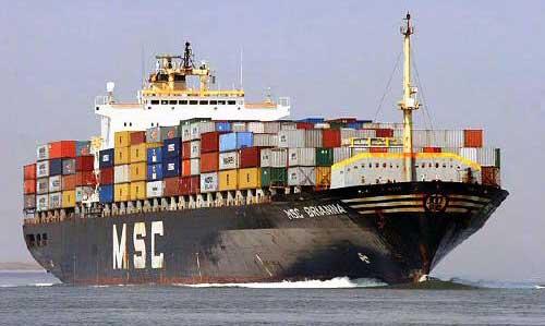 Un portecontainer en mer. Qui a dit que les douaniers du port de Douala avalent déjà la salive