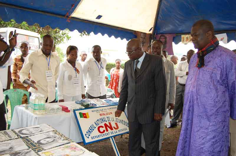 Stand du Conseil national de la jeunesse du Cameroun