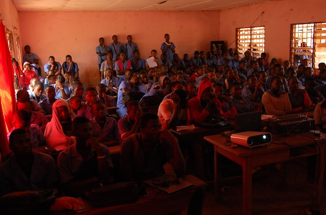 Une attitude des élèves pendant la projection