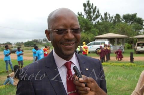 Roland KWEMAIN, Parrain du FJC9 « Face au travail titanesque que Zenü Network abat en faveur de la jeunesse camerounaise, je dis respect et admiration. Les mots me manquent pour manifester le degré d'admiration que j'ai pour cette brillante initiative »