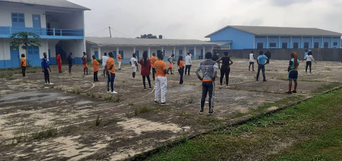 Séances de dégraissage et de travail manuel à Sangmélima – Région du Sud Cameroun – FCJ 2021